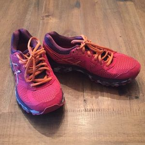 ASICS GT-2000 4 Size 6.5 Pink Running Shoes